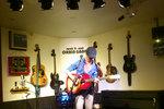 music_photo244.jpg